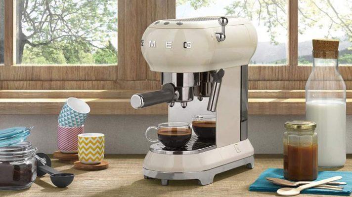 Những Lý Do Sẽ Thôi Thúc Bạn Nên Mua Ngay Máy Pha Cà Phê Espresso Smeg Ecf01Creu Cream