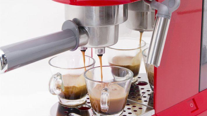 Máy Pha Cafe Smeg Ecf01Rdeu Có Thể Giúp Bạn Pha Chế Và Thưởng Thức Cà Phê Với Sự Thoải Mái Theo Các Của Riêng Bạn
