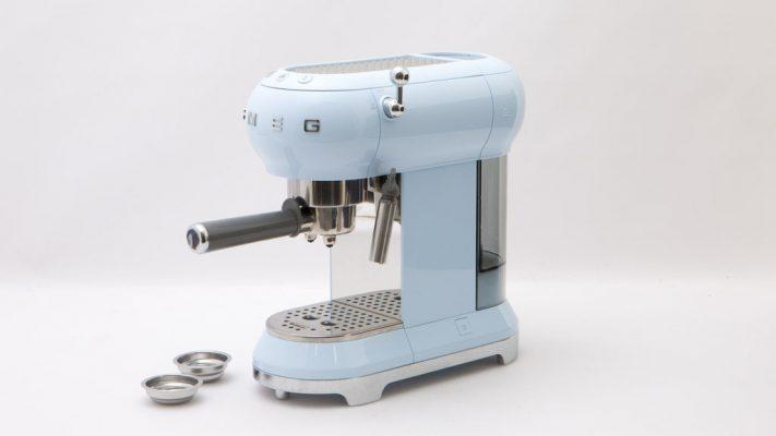Smeg Ecf01Pbeu Pastel Blue Là Máy Pha Cà Phê Siêu Đa Năng, Giúp Bạn Có Những Tách Cafe Hoàn Hảo Nhất