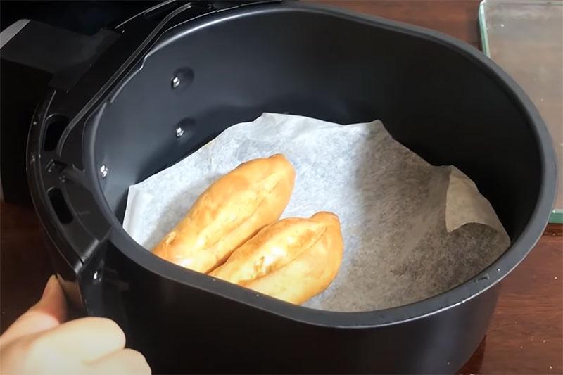 Cách Làm Bánh Mì Siêu Đơn Giản Bằng Nồi Chiên Không Dầu - Công Thức Làm Bánh Mì Bằng Nồi Chiên Không Dầu