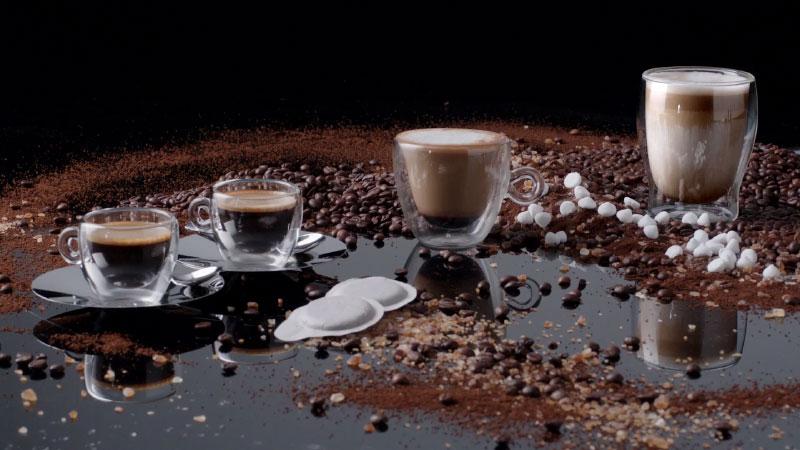 Máy Pha Cà Phê Espresso Smeg Ecf01Pgeu Pastel Green Mint Pha Được Espresso Và Cappuchino