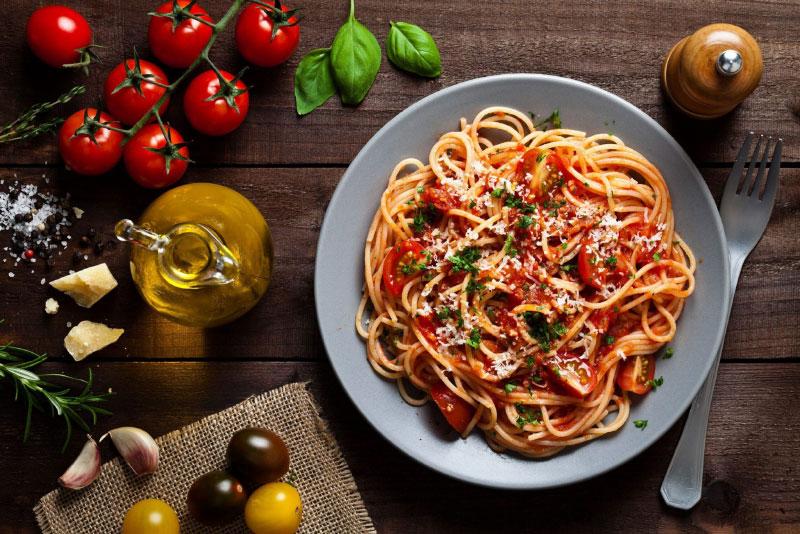 Mì Spagetti Sốt Bò Bằm Với Sợi Mì Được Làm Từ Máy Làm Bún Mì Philips Hr2382/15 Pasta Maker Đơn Giản, Tiện Lợi. Đây Sẽ Là Một Bữa Sáng Nhanh Gọn Cho Các Gia Đình Bận Rộn